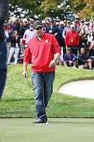Heckler David Johnson of North Dakota gets to prove his worth on the 8th green during Thursday's Practice Round ahead of The 2016 Ryder Cup, at Hazeltine National Golf Club, Minnesota, USA.  29/09/2016. Picture: David Lloyd | Golffile.