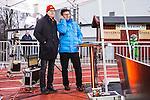 Stockholm 2014-03-01 Bandy SM-semifinal 1 Hammarby IF - V&auml;ster&aring;s SK :  <br /> V&auml;nersborgs tr&auml;nare Stefan Karlsson tittar p&aring; matchen vid TV4 studio tillsammans med TV4 expert Kenth Hultqvist<br /> (Foto: Kenta J&ouml;nsson) Nyckelord:  VSK Bajen HIF portr&auml;tt portrait