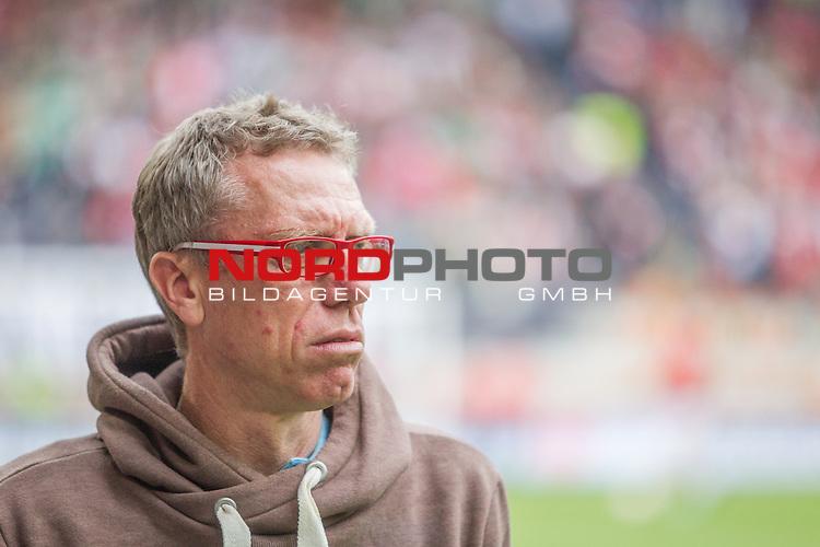 02.05.2015, SGL Arena, Augsburg, GER, 1.FBL,  FC Augsburg vs. 1. FC Koeln, im Bild Peter Stoeger (Trainer Koeln) <br /> <br /> Foto &copy; nordphoto / Straubmeier