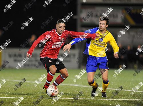 2012-03-03 / Voetbal / seizoen 2011-2012 / Ternesse - Nieuwmoer / Mohamed Mejout (L, Nieuwmoer) met Yannick Schots..Foto: Mpics.be