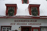 """Amérique/Amérique du Nord/Canada/Québec/ Québec: Détail façade du restaurant """"Aux Anciens Canadiens"""" Rue Saint-Louis dans la Ville-Haute"""