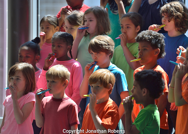 Lincoln Elementary hosts celebration to dedicate the artwork &quot;Elephant&quot; by Stefanie Gutheil. <br /> <br /> Lincoln students perform.