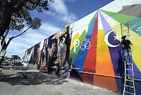 Roma, 4 Maggio 2014<br /> Il Muralista brasiliano Eduardo Kobra dipinge la facciata di Metropoliz con un mural dedicato a Malala.<br /> La ex fabbrica Fiorucci occupata da decine di famiglie ospita anche il MAAM , museo dell'altro e dell'altrove di Metropoliz.<br /> Brasilian street artist Eduardo Kobra, painting Malala's eyes in a occupied factory