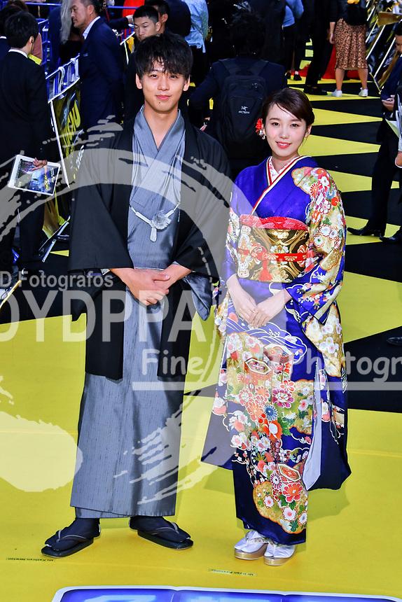 Ryoma Takeuchi und Marie Iitoyo bei der Weltpremiere des Kinofilms 'Pokémon Detective Pikachu / Pokémon Meisterdetektiv Pikachu' in Kabukicho. Tokio, 24.04.2019