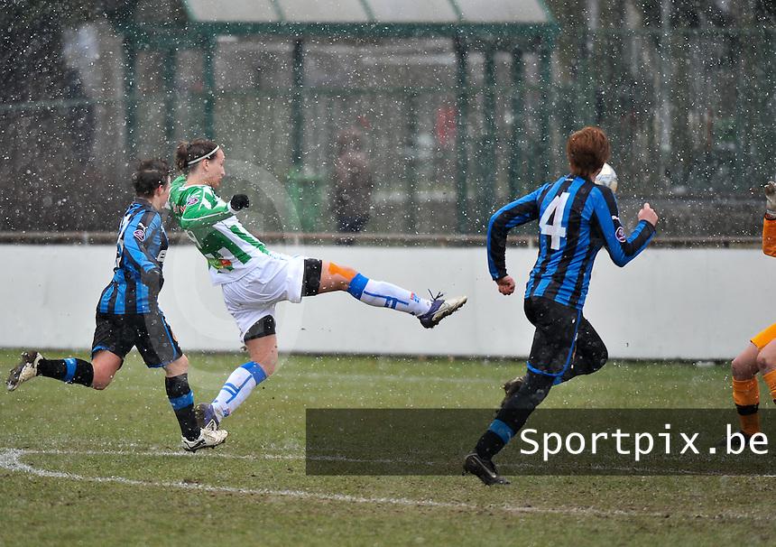 Club Brugge Dames - PEC Zwolle : Lisanne Vermeulen scoort de 0-1 voor Zwolle.foto DAVID CATRY / Vrouwenteam.be
