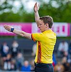 AMSTELVEEN  -  Scheidsrechter Jonas van 't Hek  Hoofdklasse hockey dames ,competitie, heren, Amsterdam-Pinoke (3-2)  . COPYRIGHT KOEN SUYK