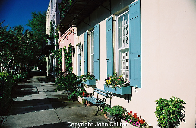 Photo of sidewalk in Charleston, SC