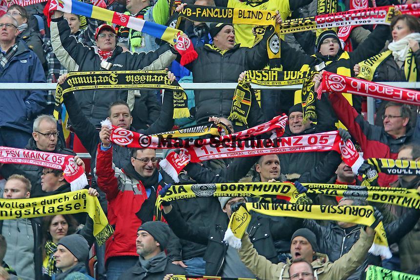 Mainzer und Dortmunder Fans friedlich vereint- 1. FSV Mainz 05 vs. Borussia Dortmund, Coface Arena, 14. Spieltag