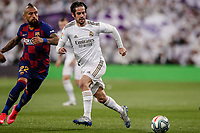 1st March 2020; Estadio Santiago Bernabeu, Madrid, Spain; La Liga Football, Real Madrid versus Club de Futbol Barcelona; Francisco Alarcon, ISCO (Real Madrid) breaks away from Vidal of Barca