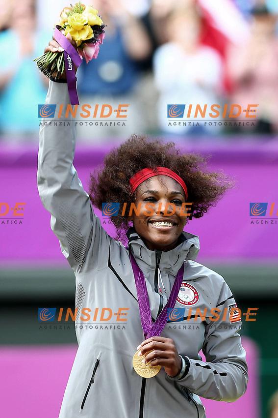 Serena Williams gold medal - medaglia d'oro.London 04/08/2012 .London 2012 Olympic games  - Women s tennis singles  - Olimpiadi Londra 2012 - Finale del singolare femminile di tennis.Foto Imago / Insidefoto.ITALY ONLY..
