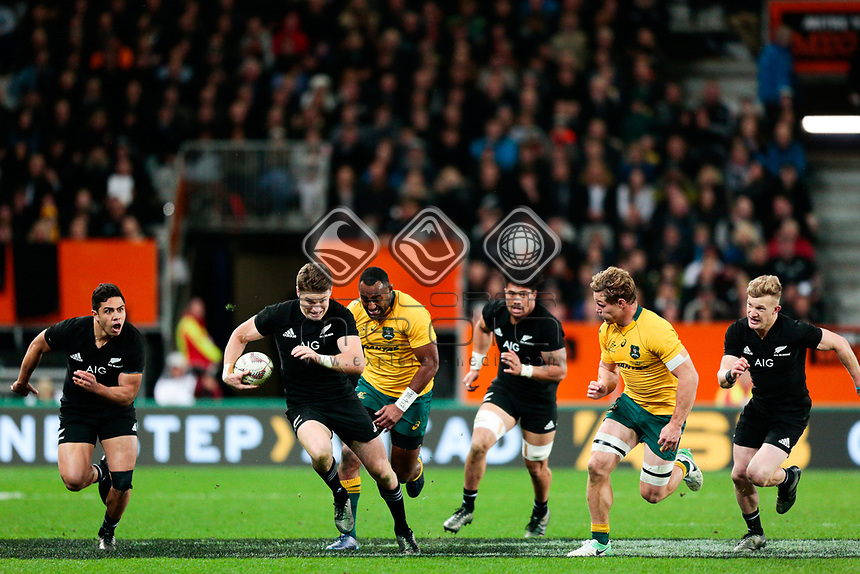 Beauden Barrett makes a break during the New Zealand All Blacks v Australia, Rugby Championship test match, Forsyth Barr stadium, Dunedin, New Zealand. 26 August 2017. Copyright Image: Derek Morrison / www.photosport.nz