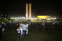 BRASILIA, DF, 21.03.2016 - MANIFESTAÇÃO-CONGRESSO- Manifestação contra o Governo Dilma, em frente ao Congresso Nacional, nesta segunda-feira, 21.(Foto:Ed Ferreira / Brazil Photo Press)