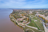 France, Gironde, Parc naturel marin de l'estuaire de la Gironde et de la mer des Pertuis (Gironde estuary and Pertuis sea Marine Natural Park), Blaye, citadel, Reseau des sites majeurs de Vauban (Fortifications of Vauban UNESCO World Heritage Site)<br /> (aerial view) // France, Gironde (33), Parc naturel marin de l'estuaire de la Gironde et de la mer des Pertuis, Blaye, vue sur la citadelle, R&eacute;seau des sites majeurs Vauban, class&eacute; Patrimoine mondial de l'UNESCO (vue a&eacute;rienne)