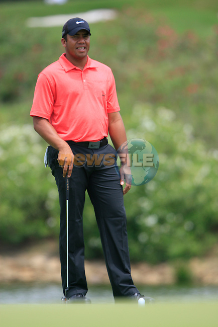 Jhonattan Vegas (VEN) calls for a referee after his ball moved on the 3rd green during the afternoon session on Day 2 of the Volvo World Match Play Championship in Finca Cortesin, Casares, Spain, 20th May 2011. (Photo Eoin Clarke/Golffile 2011)