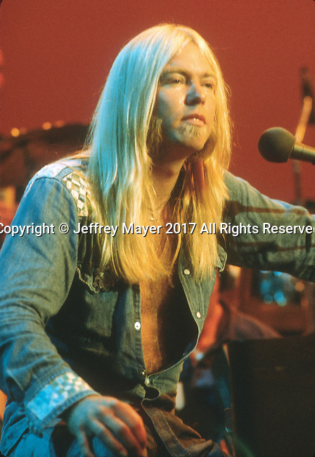 SAN DIEGO, CA - OCTOBER 12: Gregg Allman live in concert with the Allman Brothers Band at Balboa Stadium on October 12, 1975 in San Diego, California.