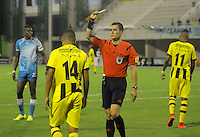 BARRANCABERMEJA- COLOMBIA - 19-08-2015:Andres Rojas  arbitro central durante el encuentro entre Petrolera con Jaguares FC durante partido  por la fecha 7 de la Liga Aguila II 2015 jugado en el estadio Daniel Villa Zapata. / Andres Rojas referee  during match  Alianza Petrolera   with Jaguares FC during a match for the seventh date of the Liga Aguila II 2015 played at Daniel Villa Zapata  stadium in Barrancabermeja city. Photo: VizzorImage / Jose David Martinez / Contribuidor