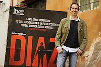 """Roma, 6 Aprile 2012.Photocall del film """"Diaz"""" .L'attore Paolo Calabresi."""