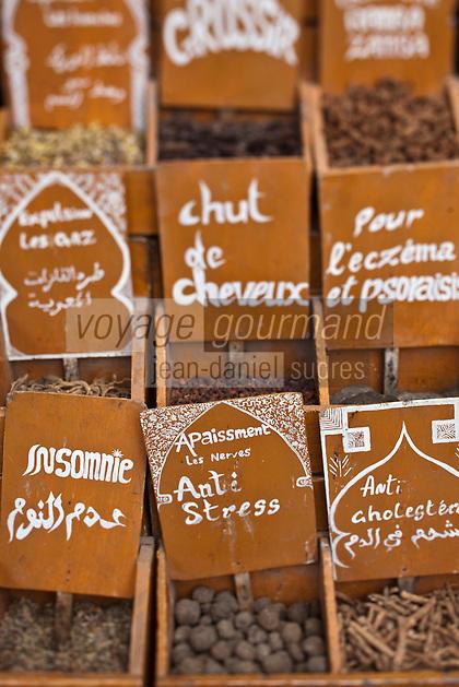 Afrique/Afrique du Nord/Maroc/Essaouira: Dans le souk - Etal pharmacopée berbère