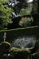 Il viale delle Cento Fontane. The Hundred Fountains..Villa d'Este di Tivoli, patrimonio mondiale dell' UNESCO..Villa d'Este is included in the UNESCO world heritage list.