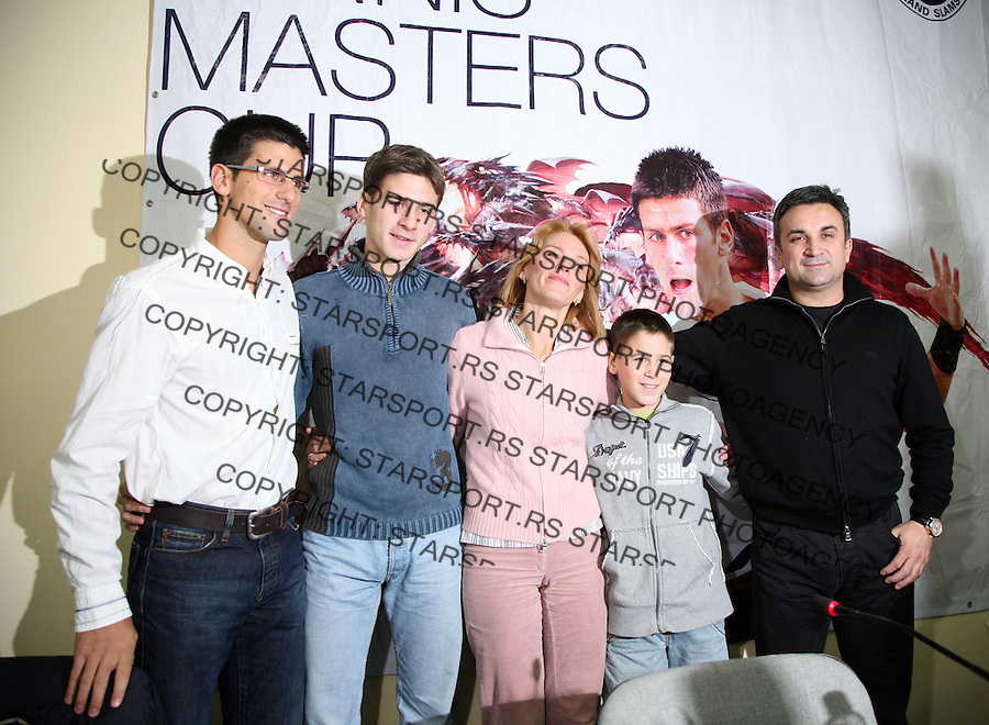 Djokovic family from left to right Novak, Marko, Dijana, Djordje and Srdjan Djokovic poze for photo in Belgrade Arena, 6.12.2007. (credit photo © Pedja Milosavljevic / STARSPORT)