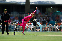 24th November 2019; Lilac Hill Park, Perth, Western Australia, Australia; Womens Big Bash League Cricket, Perth Scorchers versus Sydney Sixers; Ashleigh Gardner of the Sydney Sixers bowls during the Scorchers innings - Editorial Use