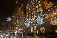 Tiffanys jewelers on Fifth Avenue decorated for Christmas on Tuesday, December 23, 2014. Wet weather in the Eastern U.S. is set to disrupt Christmas travel.  (©Richard B. Levine)