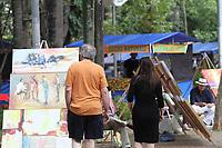 CAMPINAS, SP, 10.08.2019: FEIRA HIPPIE-SP - Movimentação na feira hippie em Campinas no Centro de Convivência neste sábado (10). (Foto: Luciano Claudino/Código19)