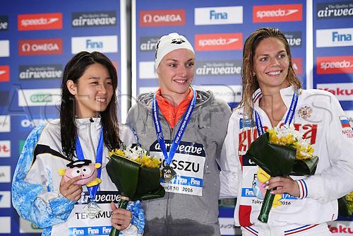 25.10.2016. Tokyo, Japan.  (L-R) Miho Teramura (JPN), Katinka Hosszu (HUN), Yuliya Efimova (RUS), FINA Swimming World Cup Tokyo Women's 200m Individual Medley Award Ceremony <br /> at Tatsumi International Swimming Pool, Tokyo, Japan.