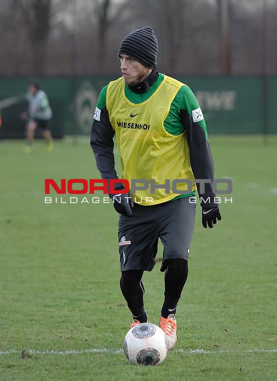 16.12.2013, Trainingsgelaende, Bremen, GER, 1.FBL, Training Werder Bremen, im Bild Aaron Hunt (Bremen #14)<br /> <br /> Foto &copy; nordphoto / Frisch