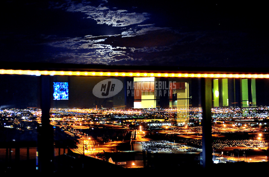Phoenix Arizona downtown skyscraper high rise city Summit at Copper Square condo urban reflection night lights