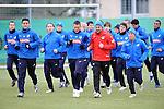 Hoffenheim 24.02.2009, 1.Fu&szlig;ball Bundesliga Training TSG 1899 Hoffenheim, die Mannschaft beim Aufw&auml;rmen<br /> <br /> Foto &copy; Rhein-Neckar-Picture *** Foto ist honorarpflichtig! *** Auf Anfrage in h&ouml;herer Qualit&auml;t/Aufl&ouml;sung. Belegexemplar erbeten.