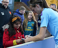 20191027 - Boreham Wood: Jill Scott pictured signing a young fan's book after the Barclays FA Women's Super League match between Arsenal Women and Manchester City Women on October 27, 2019 at Boreham Wood FC, England. PHOTO:  SPORTPIX.BE | SEVIL OKTEM