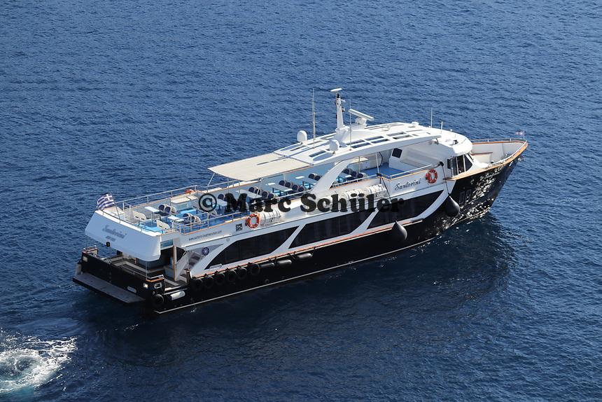 Tenderboot vor Santorin - 22.11.2017: Santorin mit der Costa Deliziosa