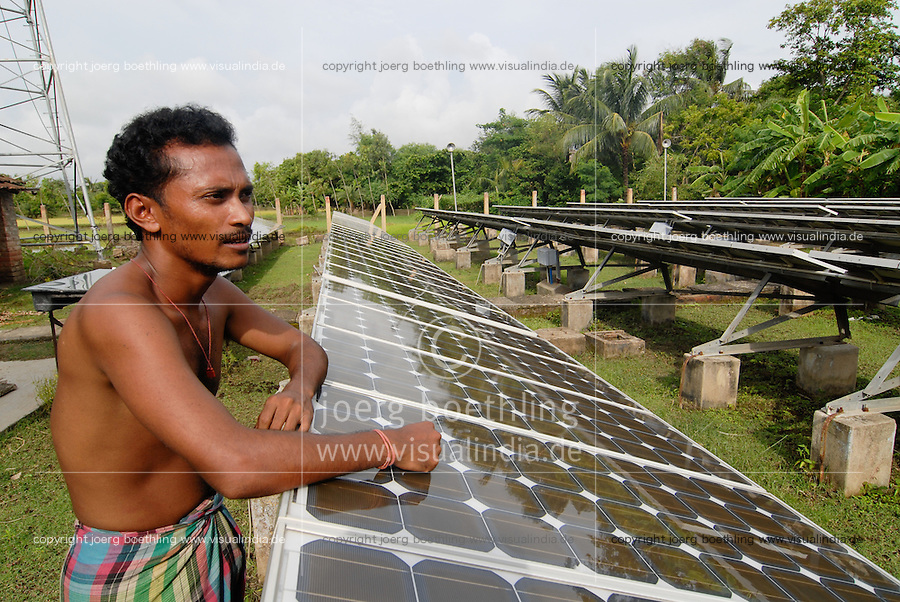 "Asien Suedasien Indien Westbengalen , Sagar Insel im Gangesdelta , Energiegewinnung mit Solarenergie und Windenergie , off-grid System zur laendlichen Energieversorgung - renewables Energie laendliche Entwicklung xagndaz | .South asia India West-Bengal , Sagar Island at Sundarbans the delta of Ganges river , solar power station as off-grid system for rural electrification - renewable energy rural development .| [ copyright (c) Joerg Boethling / agenda , Veroeffentlichung nur gegen Honorar und Belegexemplar an / publication only with royalties and copy to:  agenda PG   Rothestr. 66   Germany D-22765 Hamburg   ph. ++49 40 391 907 14   e-mail: boethling@agenda-fototext.de   www.agenda-fototext.de   Bank: Hamburger Sparkasse  BLZ 200 505 50  Kto. 1281 120 178   IBAN: DE96 2005 0550 1281 1201 78   BIC: ""HASPDEHH"" ,  WEITERE MOTIVE ZU DIESEM THEMA SIND VORHANDEN!! MORE PICTURES ON THIS SUBJECT AVAILABLE!!  ] [#0,26,121#]"
