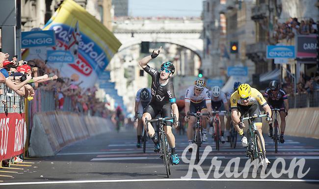 Elia Viviani (ITA/Sky) wins stage 2 of the 2015 Giro ahead of Moreno Hofland (NLD/LottoNL-Jumbo) &amp; Andr&eacute; Greipel (DEU/Lotto-Soudal)<br /> <br /> stage 2: Albenga - Genova (177km)