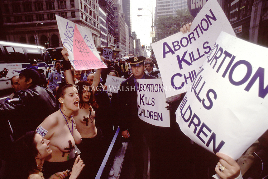030121-SWR05.jpg) New York, NY -- FIle Photo -- Topless Pro CHoice Advocatesconfront Right to life pro lige demonstrators during the annua, anto abortion l Chain of Life demonstration...Photo © Stacy Walsh Rosenstock.stacy@stacyrosenstock.com