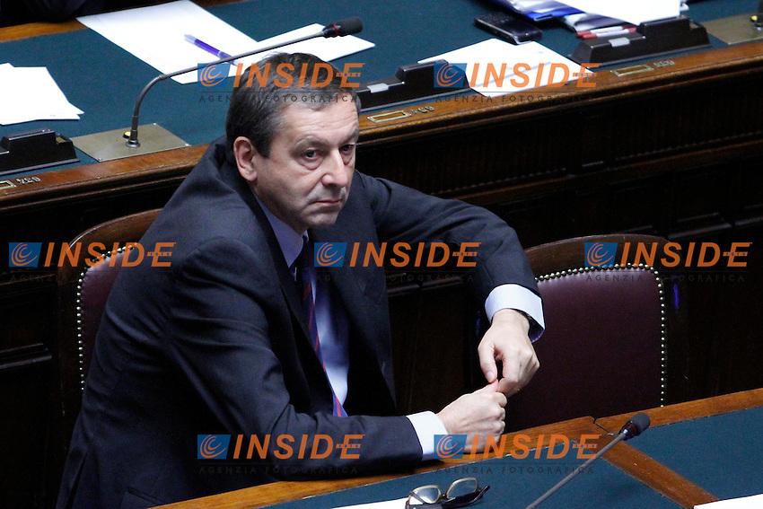 COMUNICAZIONI DEL NEO  PRESIDENTE DEL CONSIGLIO E VOTO DI FIDUCIA PER IL NUOVO GOVERNO..NELLA FOTO IL MINISTRO DELL ISTRUZIONE FRANCESCO PROFUMO..ROMA 18 NOVEMBRE  2011..PHOTO  SERENA CREMASCHI INSIDEFOTO..........................