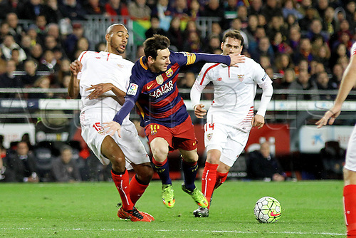28.02.2016. Nou Camp, Barcelona, Spain. La Liga football match. Barcelona versus Sevilla. Messi challenged by N'Zonzi
