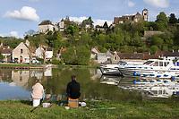 Europe/France/Bourgogne/89/Yonne/ Chatel-Censoir: Port Fluvial sur le canal du Nivernais vallée de l'Yonne