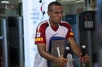 SAO PAULO, SP, 21 DE FEVEREIRO DE 2013. TREINO SPFC. o atacante Luis Fabiano durante treino do SPFC na tarde desta quinta feira, no Centro de Treinamento do Clube no bairro da Barra Funda, zona oeste da Capital. FOTO ADRIANA SPACA - BRAZIL PHOTO PRESS