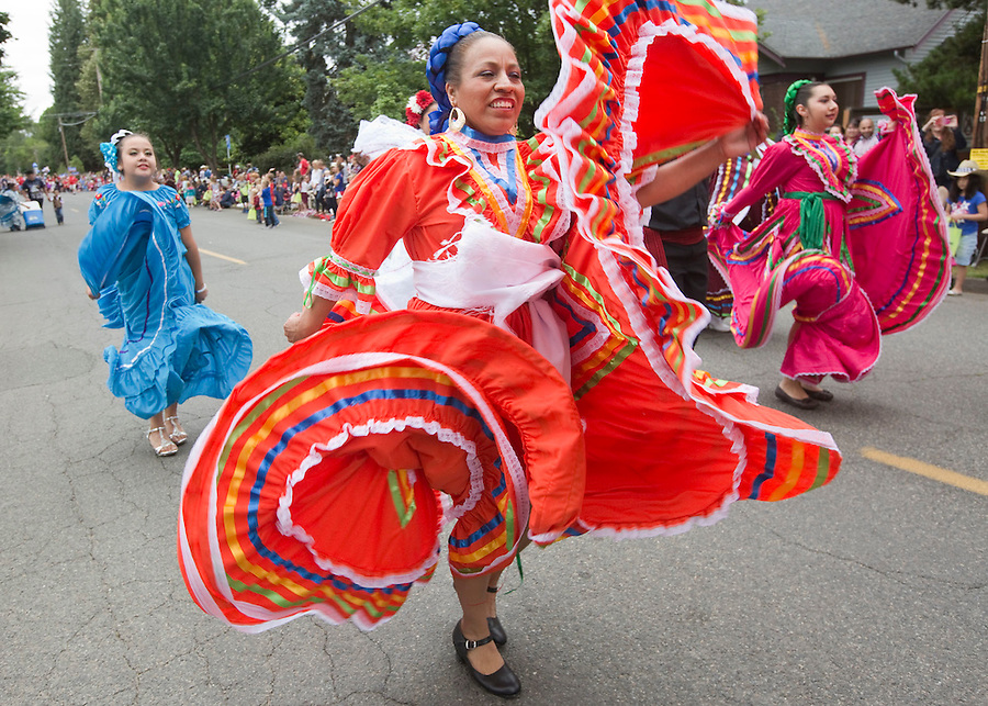 Dancers from the Mexican restaurant El Rancho Viejo  take part in the Fourth of July Parade through of Ridgefield Monday July 4, 2016. (Photo by Natalie Behring/ for the The Columbian)