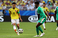 SAMARA - RUSIA, 28-06-2018: Lamine GASSAMA (Der) jugador de Senegal disputa el balón con Radamel FALCAO (Izq) jugador de Colombia durante partido de la primera fase, Grupo H, por la Copa Mundial de la FIFA Rusia 2018 jugado en el estadio Samara Arena en Samara, Rusia. /  Lamine GASSAMA (R) player of Senegal fights the ball with Radamel FALCAO (L) player of Colombia during match of the first phase, Group H, for the FIFA World Cup Russia 2018 played at Samara Arena stadium in Samara, Russia. Photo: VizzorImage / Julian Medina / Cont