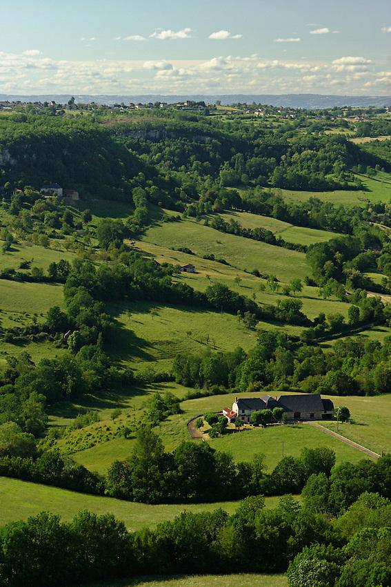 Vue sur le causse correzien depuis le chateau de Turenne.