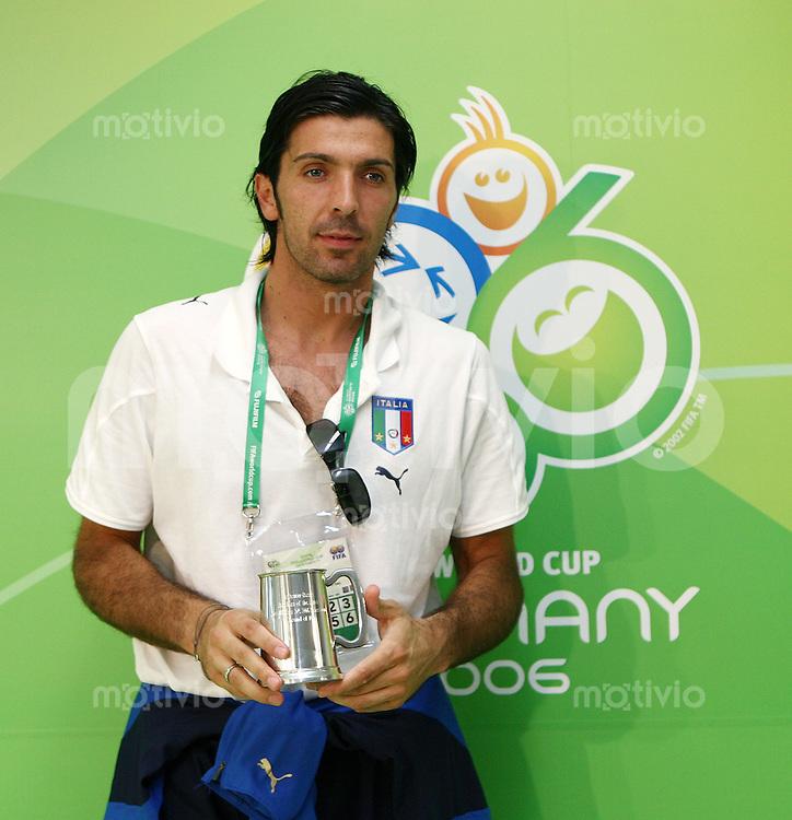 Fussball WM 2006   Achtelfinale   Italien 1-0 Australien -Man of the Match - ITA Torwart Gianluigi Buffon