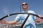 Alberto Fabra, navegando.