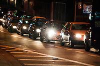 SÃO PAULO-SP-12,09,2014- TRÂNSITO CARDEAL- O Motorista enfrenta lentdão na Rua Cardeal Arco Verdes sentido bairro. Região Oeste da cidade de São Paulo,na noite dessa Sexta-Feira,12(Foto:Kevin David/Brazil Photo Press)