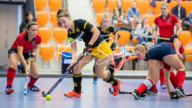 ROTTERDAM  - NK Zaalhockey,   halve finale dames Laren-Den Bosch. Laren wint. Anne Boer (Den Bosch)    COPYRIGHT KOEN SUYK