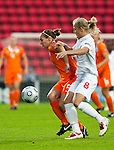 Manon Melis, Katie Chapman, SF, England-Holland, Women's EURO 2009 in Finland, 09062009, Tampere Ratina Stadium.