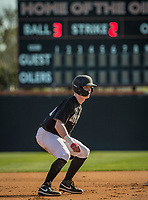 Harvard-Westlake Wolverines Pete Crow-Armstrong (21) leads off during a High School baseball game on February 26, 2020 in Huntington Beach, California.  (Terry Jack/Four Seam Images)