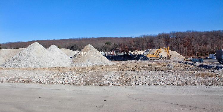 NAUGATUCK CT- DECEMBER 06 2012 -120612DA02- Construction has begun again at the former Peter Paul factory on New Haven Rd. in Naugatuck..Darlene Douty Republican American